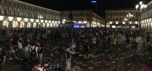 torino-allarme-bomba-piazza-san-carlo